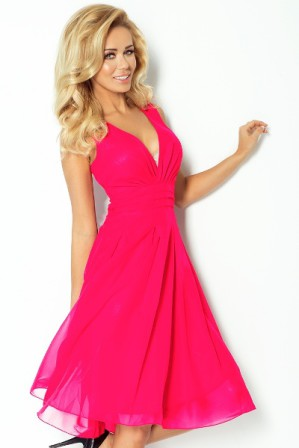 Společenské skater šaty růžové, vel. M|Krátké šaty s volnou skládanou sukní a páskem kolem pasu z pevného materiálu ideální na svatbu, nebo na ples
