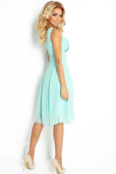 a26414d574d Lehké letní   společenské šaty délky pod kolena s volnou sukní ...