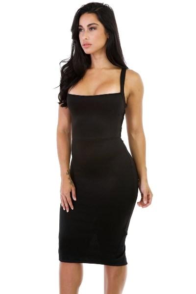 Koktejlové šaty s větším hranatým výstřihem 72d457b85b
